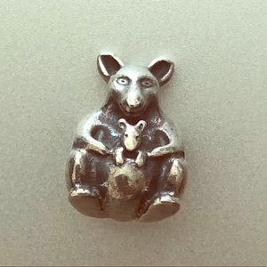 Pandora Kangaroo with Baby Joey Charm (334465)
